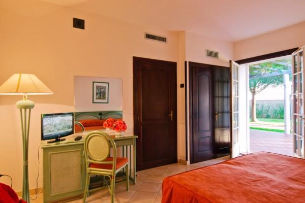 Vista Camera con Porta Finestra Agriturismo Lecce